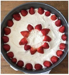 Cinnamon Cake re-posted with berries by Jessica the Baker Cake Recipes, Dessert Recipes, Desserts, Low Carb Sweets, Cheesecake, Healthy Cake, Happy Foods, Diy Food, Granola