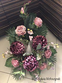 Kompozycja funeralna 2018r wyk.Sylwia Wołoszynek Funeral Flower Arrangements, Funeral Flowers, Floral Arrangements, Blue Flowers, Paper Flowers, Garden Workshops, Flower Bouquet Wedding, Flower Designs, Decoupage