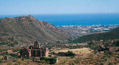 Ruinas del antiguo monasterio. Desierto de las palmas