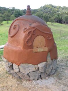 Cob oven~ I love this one! It's the one I want to make!!!