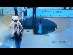 Extremely Realistic Holograms In Dubai Mall… Imagine This Tech. For Fake Alien Invasion Hologram Technology, Project Blue Beam, Alien Invasion, Dubai Mall, Flat Earth, New World Order, Conspiracy Theories, Coincidences, Illuminati
