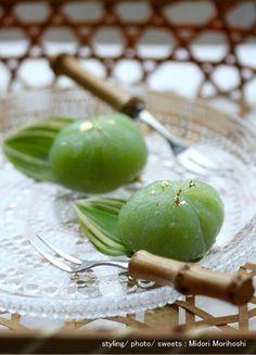 甘酒メロンの葛饅頭 〜 Kuzu-Manju|モード系*和菓子 + 器 のテーブルスタイリング