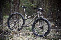 Jones Bikes Montain Bike, Garage Bike, Bicycle Types, Fat Bike, Bike Stuff, Road Bikes, Nice Legs, Bike Trails, Cross Country