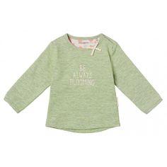 Das Langarmshirt Delafield für Mädchen hat ein feines Streifenmuster mit rosa aufgedrucktem Schriftzug. Das Shirt verfügt über einen runden Ausschnitt mit Schleife und praktischen Druckknöpfen. Traumhaft weiches Shirt auch ideal für Neugeborene. erhältlich in den Größen 50 - 74 statt € 16,99 um nur € 10,99 NUR SOLANGE DER VORRAT REICHT! Kind Mode, Arm, Bloom, Shirts, Sweaters, Products, Fashion, Pink, Stripe Pattern