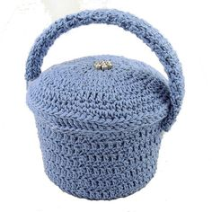 Quilter's Pin Basket & Pincushion Lid - A free Crochet pattern from Julie A Bolduc.