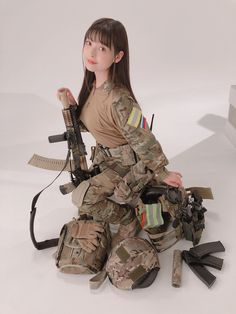 Amazing WTF Facts: Cute Asian Girls With Guns - Japanese Cosplay Armed Schoolgirls Cute Asian Girls, Cute Girls, Elfa, Cute Japanese Girl, Warrior Girl, Female Soldier, Military Women, Cute Girl Photo, Cosplay Girls