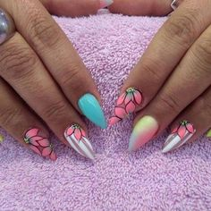 70 Trendy Spring Nail Designs are so perfect for this season 2019 Hope they can inspire you and read the article to get the gallery Nail Designs Spring, Nail Art Designs, Nail Art Tropical, Spring Nails, Summer Nails, Cute Nails, Pretty Nails, Flower Nails, Creative Nails