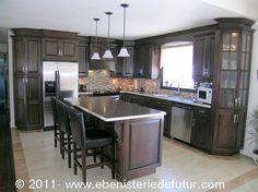 PORTES D'ARMOIRES - Recherche Google Black Kitchen Cabinets, Black Kitchens, Kitchen Dining, Kitchen Decor, Cuisines Design, Home Reno, Cool Rooms, Decoration, Home Decor Inspiration