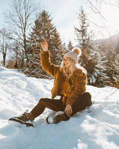 23 fantastic winter trends ideas you should try right away # fashionsh . - 23 fantastic winter trends ideas you should try right away # fashionshoot - Winter Trends, Winter Ideas, Mode Au Ski, Winter Outfits For Teen Girls, Shotting Photo, Winter Instagram, Poses Photo, Snow Photography, Levitation Photography
