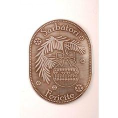 """Eticheta metalica """"Sarbatori fericite"""" cu glob Coins, Personalized Items, Coining, Rooms"""