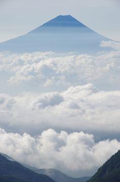 鳳凰三山・薬師岳からの富士山です。