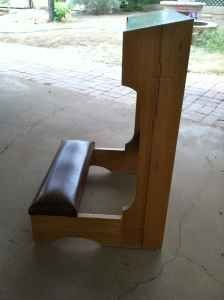 how to build a prayer kneeler