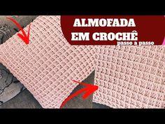 Capa de almofada de crochê: 47 Modelos lindos para decorar Crochet Pillow, Crochet Designs, Pillow Covers, Pillows, Youtube, Rugs, Crafts, Diy, Craft Ideas
