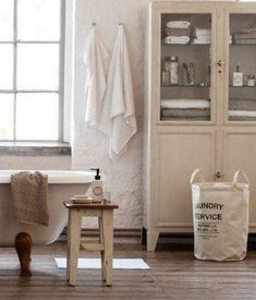 Rustic country bathroom decor