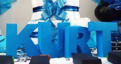 Letra 3D em papel 180 g. Ficam em pé na mesa. Confeccionamos em outras cores. Entre em contato conosco através do email: contato@artesanadia.com.br