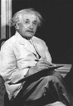 Resultados de la Búsqueda de imágenes de Google de http://1.bp.blogspot.com/--tpoX1iJQPA/TZ0bkn9vYwI/AAAAAAAABGs/KY-3DFX0OA4/s1600/Scientists-confrirm-Einsteins-emc2.jpg