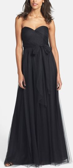 Classic black dress with sweetheart style neckline http://rstyle.me/n/vgbfin2bn