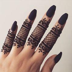 """London Henna/Mehndi Designer on Instagram: """"Finger Henna #henna #hennatattoo #hennadesigns #hennalookbook #hennainspiration #hennainspo #hennainspo #mehndi #mehndidesigns…"""" Simple Mehndi Designs Fingers, Finger Mehendi Designs, Pretty Henna Designs, Modern Henna Designs, Henna Tattoo Designs Simple, Basic Mehndi Designs, Latest Bridal Mehndi Designs, Henna Art Designs, Mehndi Designs For Beginners"""