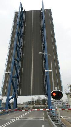 Ophaalbrug bij Terneuzen, Nederland