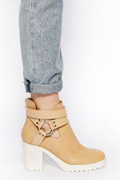 Your Search For The Perfect Spring Boot Ends Here #refinery29  http://www.refinery29.com/booties#slide13