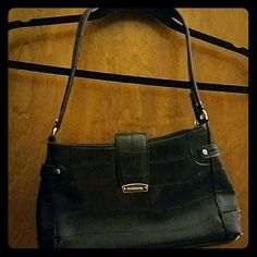 Small black liz Claiborne purse Small black liz Claiborne purse with zipper closure in good used condition Liz Claiborne Bags Mini Bags