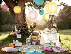 Colorful Picnic | 15 Ideas for Outdoor Dining