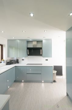 kitchen-cabinets-with-gloss-finish