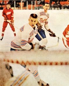 Bobby Orr - Oshawa Generals Jr's - ca 1965 Boston Bruins Hockey, Women's Hockey, Hockey Stuff, Hockey Games, Hockey Players, Bobby Orr, Hockey World, Wayne Gretzky, Ice Rink