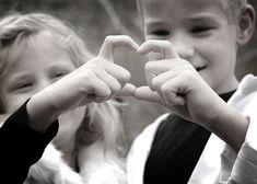 Minneapolis FamilyPhotos | Cute Family Poses | Children | Kids | Family Photography | Family Love | Beautiful Era Photography & Design