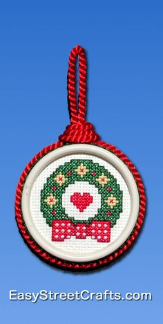 A MERRY WREATH FOR YOUR CHRISTMAS TREE!
