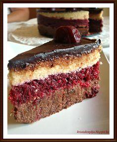 A keresztfiunk ötödik szülinapjára készítettem egy nyers tortát, melyhez az ötletet Lénárt Gitta Élő édességek  könyvében találtam. A köny... Raw Vegan Desserts, Healthy Sweets, Raw Food Recipes, Cooking Recipes, Sin Gluten, Raw Cake, Sweet Cakes, Winter Food, Sweet Tooth