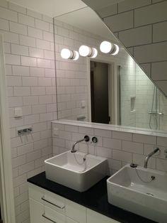 Spegel att kakla in – Google Sök Bathroom Lighting, Vanity, Mirror, Furniture, Google, Home Decor, Ska, Pictures, Bathroom Light Fittings