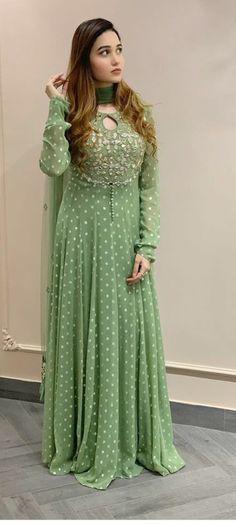Party Wear Indian Dresses, Designer Party Wear Dresses, Indian Gowns Dresses, Dress Indian Style, Indian Fashion Dresses, Indian Designer Outfits, Indian Wear, Party Dresses, Fancy Dress Design