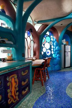 Ranchito Cascabel, also known as Timmyland, is Tim Sullivan's folk-art fantasy just north of San Miguel de Allende, Mexico. Inspired by the work of Antoni Gaudí in Barcelona, Spain, Sullivan turned what had been a sleeping porch and storage room into a rambling, otherworldly folly.