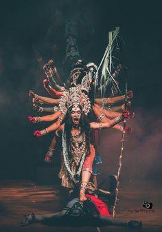 The Immortals of Meluha is the first novel of the Shiva trilogy series by Amish Tripathi. Shiva Shakti, Kali Shiva, Shiva Hindu, Hindu Deities, Hindu Art, Indian Goddess Kali, Durga Goddess, Indian Gods, Kali Tattoo