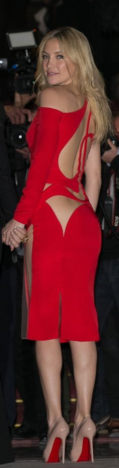 Kate Hudson Looked Back at It in This Strappy Versace Number