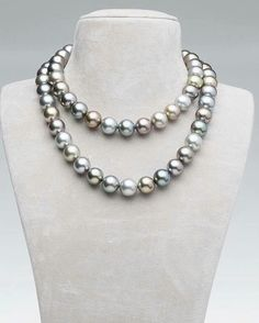 MARUTEA Whether worn as a two-ranksjeweled ribbon, or as one long sautoir, this statement piece personifies a rainbow of dew-kissed gens cast over a clear Tahitian sky. #robertwan #pearls