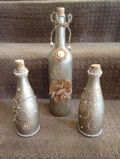 Today's creation Glass Bottle Crafts, Wine Bottle Art, Painted Wine Bottles, Diy Bottle, Bottles And Jars, Glass Bottles, Mason Jar Wine, Mason Jar Crafts, Vase Deco