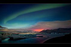 """entstanden ist diese Aufnahme auf einer geführten Island Fotoreise """"Classic""""  mit [fc-user:38980] (Raymond Hoffmann)  Ein dickes Kompliment an Raymond, er hat uns von früh bis spät in jeder Hinsicht umsorgt, uns die besten Fotoplätze gezeigt und stand uns immer fotografisch mit Rat und Tat zur Seite.   Herzlichen Dank an [fc-user:1798884] für den Galerie - Vorschlag und an alle, die an der Abstimmung teilgenommen haben!    Weitere Bilder auf http://www.schmidli-fotoart.ch/news.html"""