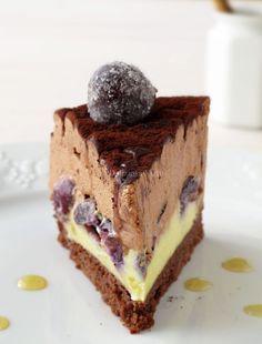 Torta clafoutis all'uva nera e miele 3