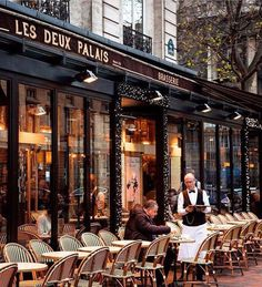 An awesome cafe in Paris. Sainte Chapelle Paris, Saint Chapelle, Restaurants In Paris, Restaurant Restaurant, French Cafe, French Bistro, French Country, Paris Travel, France Travel