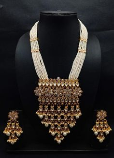 MUGHAL-nizami princess inspired latest designer crystal bead and polaki necklace set Available in various crystal colours and designs Please contact us for colour customisation Pearl Necklace Designs, Necklace Set, Gold Necklace, Stylish Jewelry, Fashion Jewelry, Bridal Jewelry Vintage, Bridal Jewellery, Mughal Jewelry, Indian Jewelry Sets