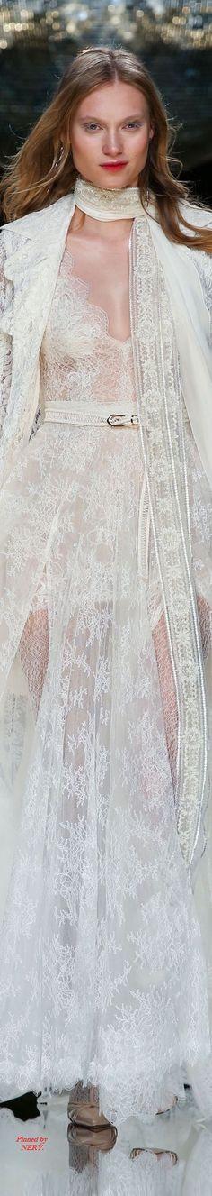 Yolan Cris - Spring 2017 Bridal