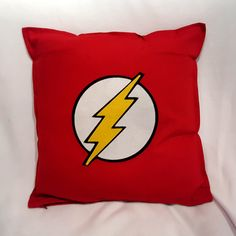 Flash è un personaggio dei fumetti creato da Gardner Fox e Harry Lampert nel 1940, pubblicato dalla DC Comics.  È un supereroe con il potere di