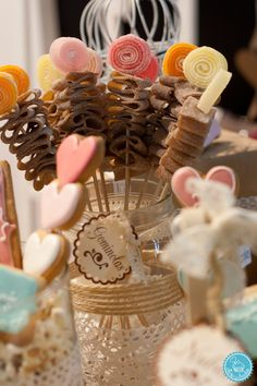 brochetas de chuches  by Fiesta y chocolate