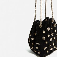 Image 4 of EMBROIDERED BEES BUCKET BAG from Zara