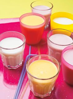 Fruit smoothies are a popular refreshment not only for adults but even for the little ones as well. With their natural sweet flavors, it is no wonder that many children love fruit smoothies and can… Lunch Smoothie, Fruit Smoothie Recipes, Smoothie Ingredients, Drink Recipes, Smoothie Drinks, Natural Body Detox, Ricardo Recipe, Natural Yogurt, Vegan Ice Cream