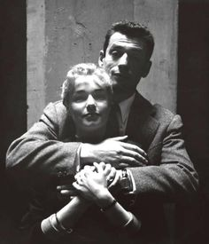 Yves Montant et Simone Signoret Saint Yves, Hollywood Stars, Classic Hollywood, Only Lovers Left Alive, Shirley Maclaine, Movie Couples, French Actress, Portraits, Famous Photographers