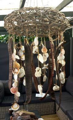 een windgong mag ook in de tuin echt niet ontbreken. Eenvoudig zelf te maken, met allerlei leuke kleine decoraties