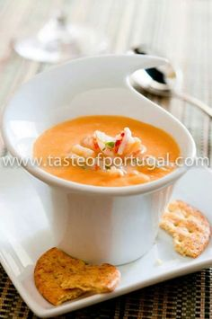 """""""- 🍤Squash and Shrimp Soup🍤 - 🔹INGREDIENTS🔹 - cups butternut squash, peeled and cut into 1 inch pieces lb. medium shrimp, peeled and deveined Shrimp Bisque, Shrimp Soup, Lobster Bisque, Chowder Recipes, Seafood Recipes, Soup Recipes, Snack Recipes, Snacks, Portuguese Recipes"""